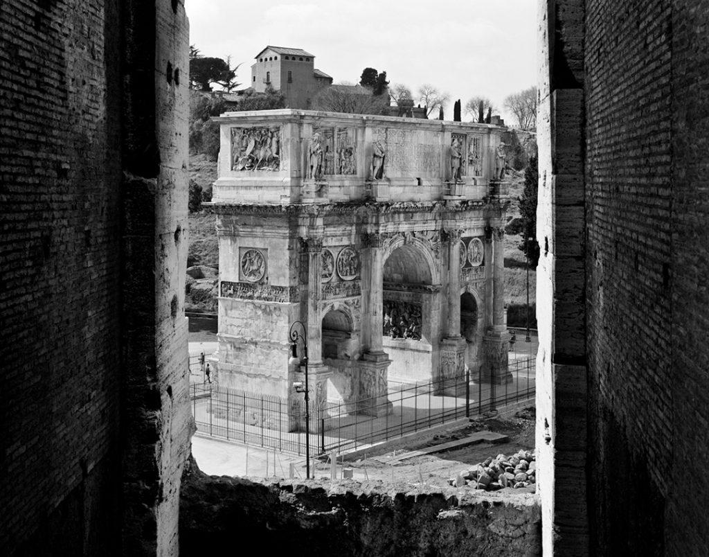 Arco di Tito, 2000, Roma, 140x100 cm. Courtesy Gabriele Basilico/Studio Basilico Milano