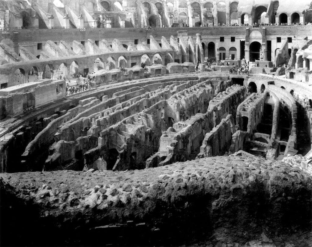 Colosseo, 2000, Roma, 140x100 cm. Courtesy Gabriele Basilico/Studio Basilico Milano