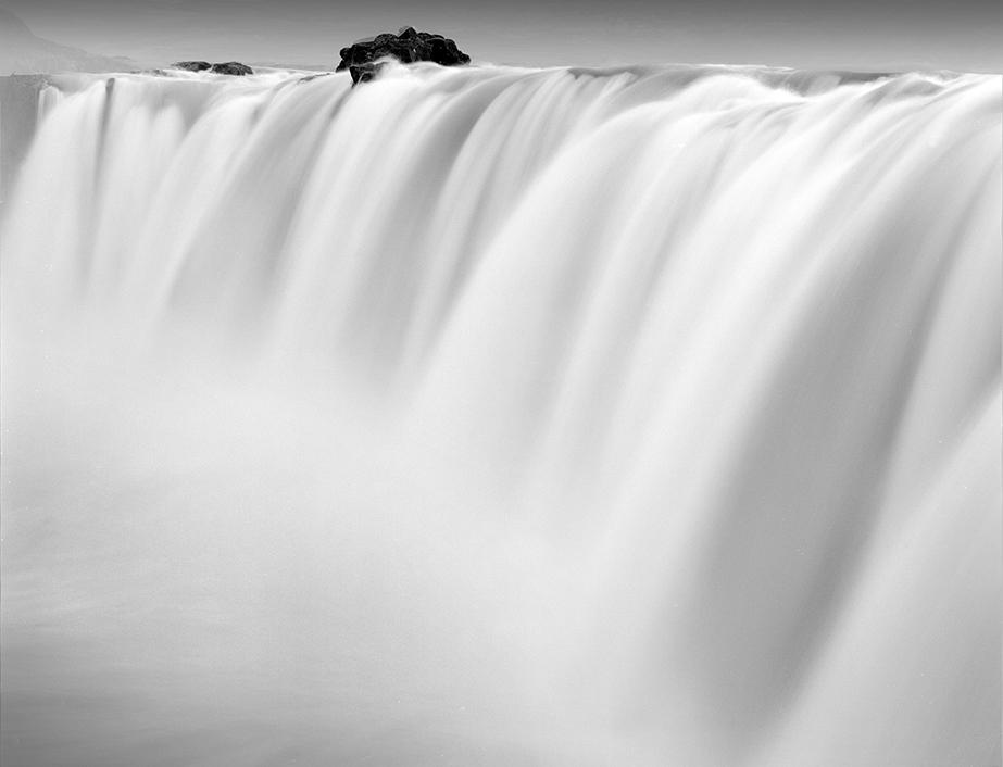 Fluid Columns, 2013, Iceland © Francesco Bosso